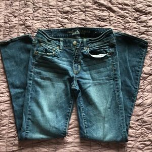 AE Straight Jeans - Medium wash